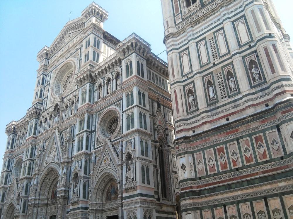 Fasada Katedry Santa Maria dell'Fiore Florencja profil